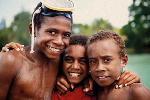 vanuatu_study_kids_074_Sand_CMYK_300x200