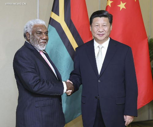 President Xi Jinping of China meets PM Joe Natuman of Vanuatu in Fiji
