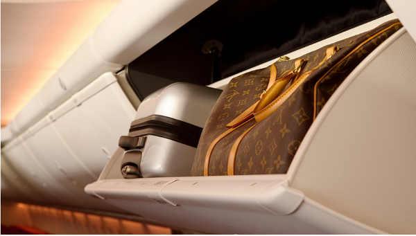 737-cabinluggage