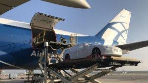 Unloading one of 40 Maseratis