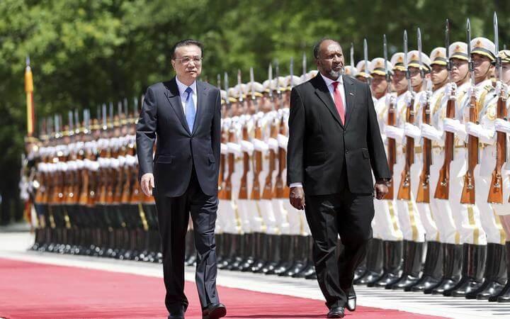Vanuatu prime minister Charlot Salwai meets with Chinese Premier Li Keqiang ahead of talks in Beijing. Photo: Xinhua News Agency